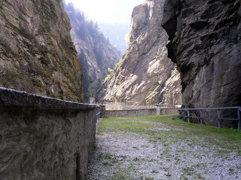 Image 2 - Il Sentiero Gottardo: Dazio Grande - Faido