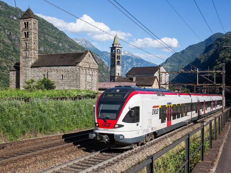 Image 0 - Bahnwanderweg: Giornico