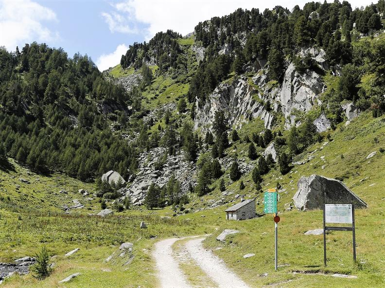 Image 12 - The Lucomagno cheese route