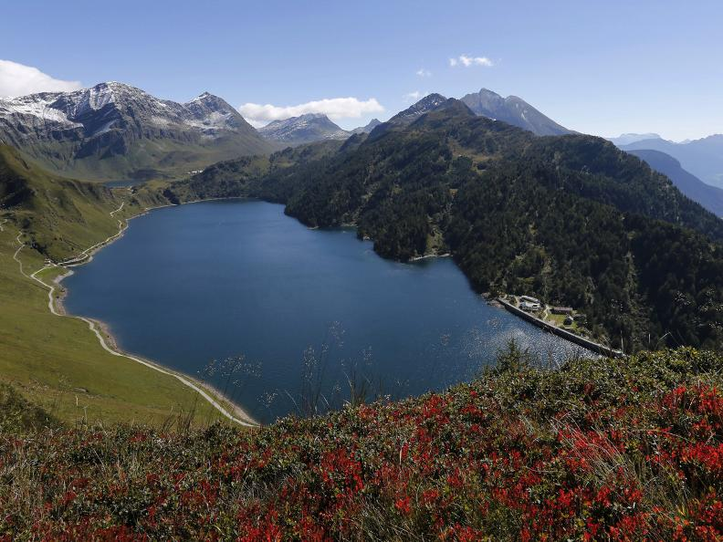 Image 0 - Path of the Piora Valley lakes