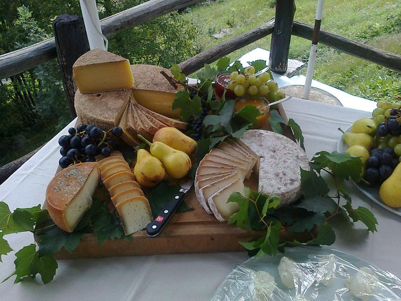 Image 0 - Cheese and Val Pontirone