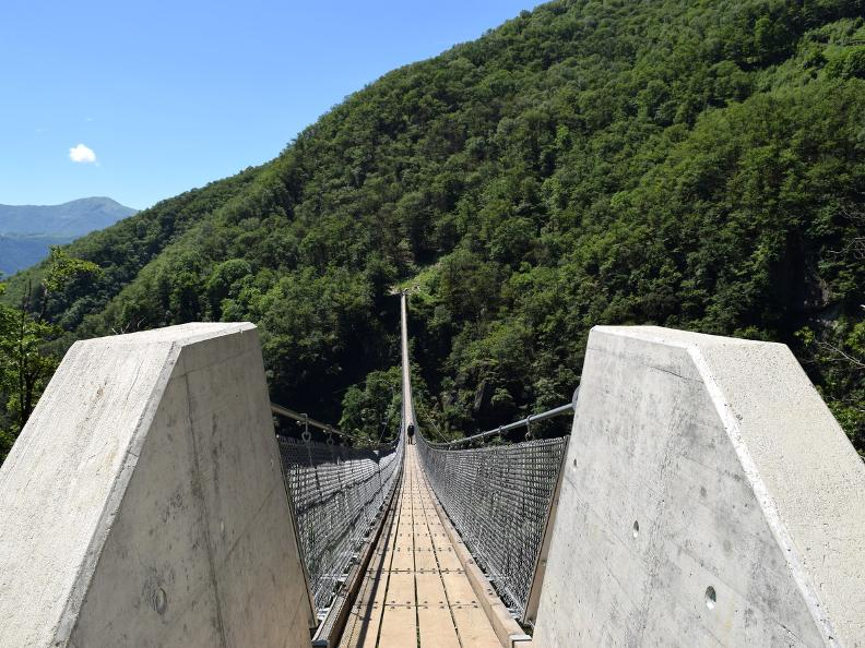Image 8 - Curzùtt und die Tibetische Brücke Carasc