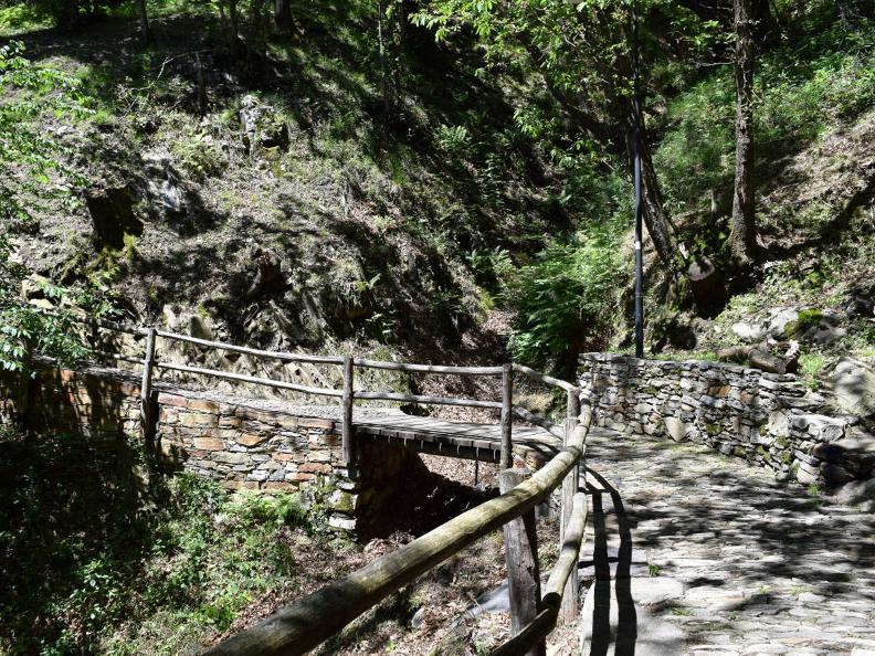 Image 14 - Curzùtt und die Tibetische Brücke Carasc