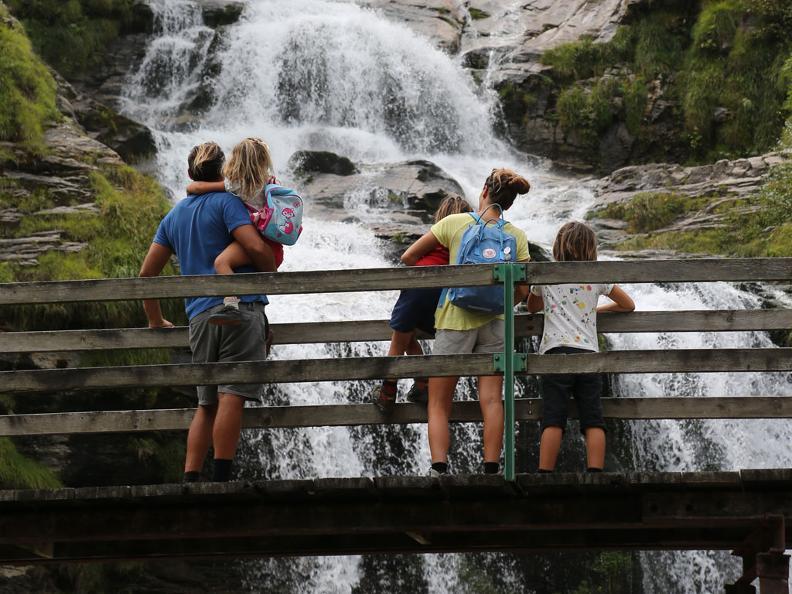 Image 1 - Faido et la cascade Piumogna