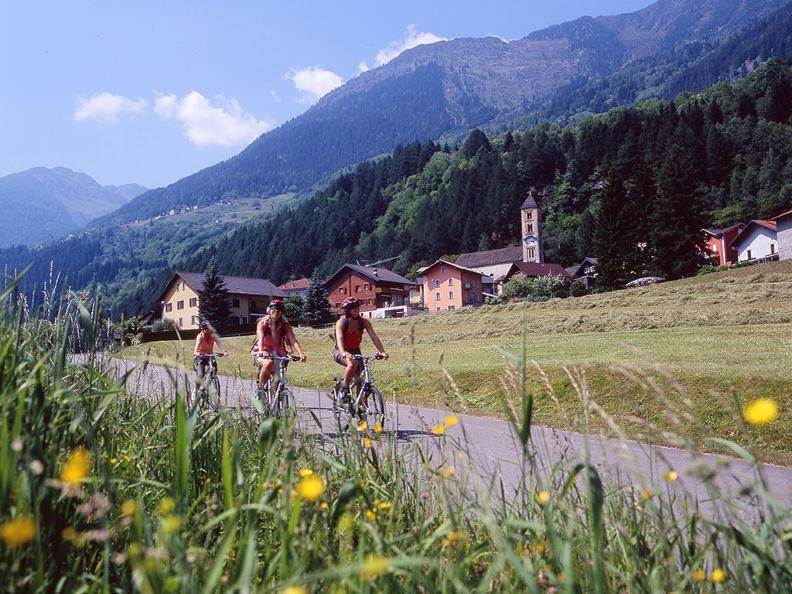 Image 0 - North-South Route: Airolo-Bellinzona
