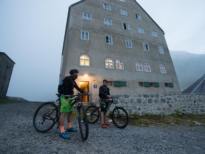 Image 0 - Gottardo Bike Tappa 1: Andermatt - Airolo