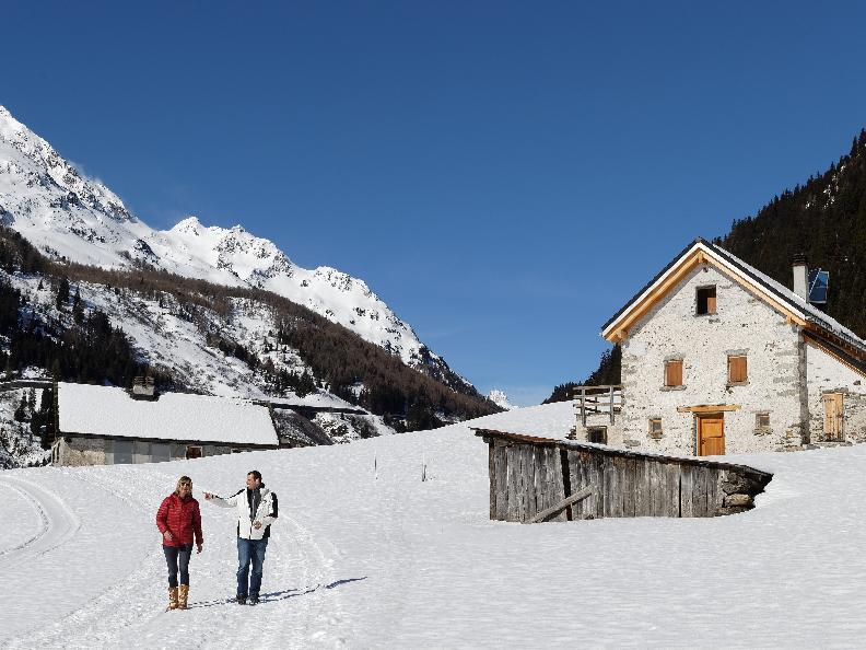 Image 2 - Sentiero di Campra - Passeggiata invernale
