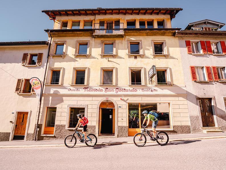 Image 0 - Airolo Bike