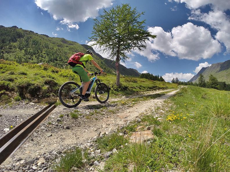 Image 1 - Tour della Valle di Blenio in e-bike