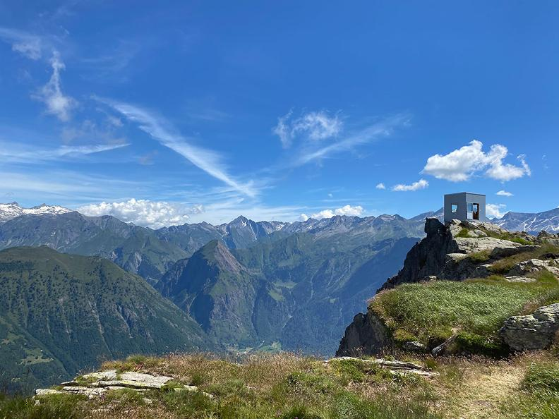 "Image 9 - Gorda – Larescia Peak or ""Eagle's Nest"""