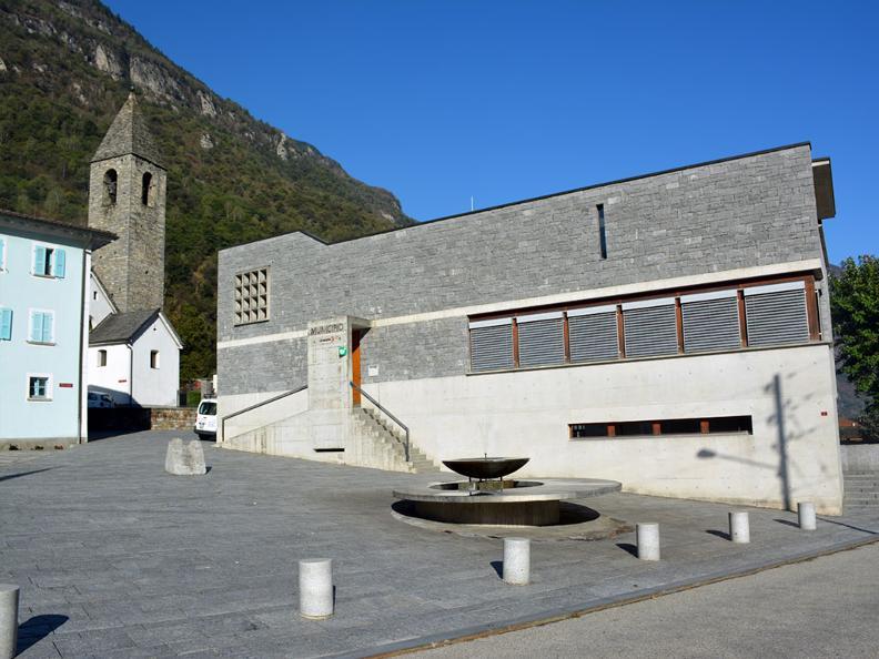 Image 3 - Via della pietra - Working the stone