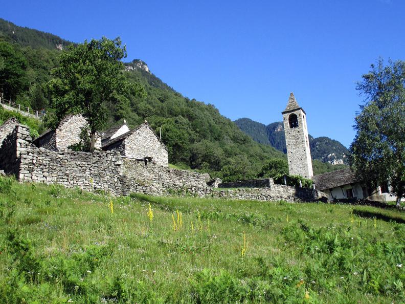 Image 4 - Via della pietra - Working the stone
