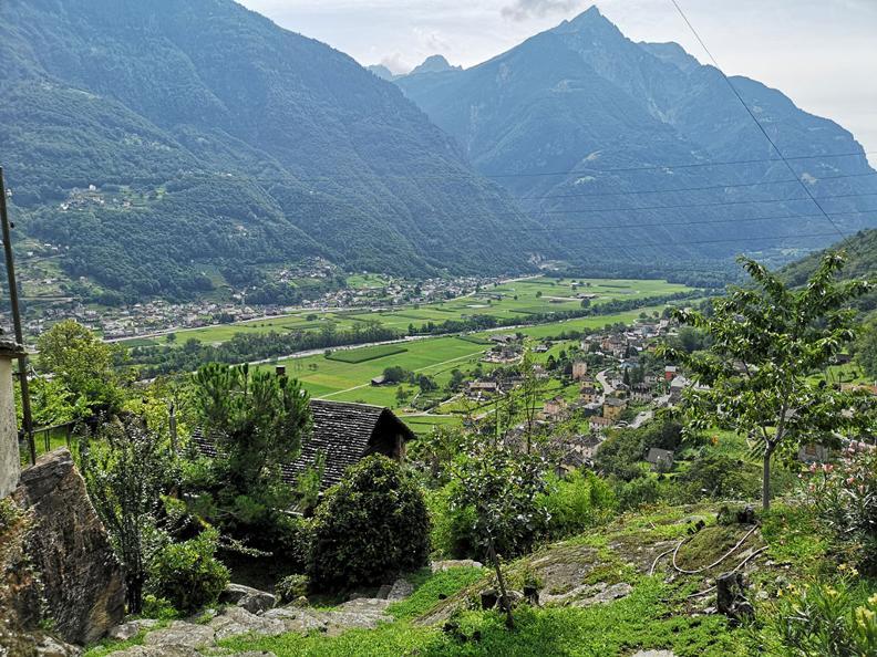 Image 6 - Giro del Castello di Serravalle
