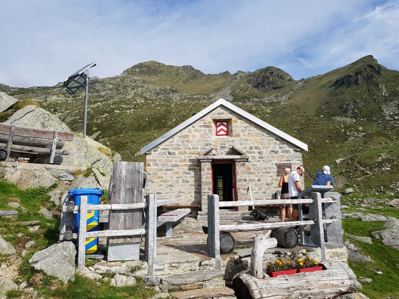 Image 0 - Trekking verso la Capanna Albagno